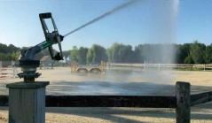 Водная пушка rain gun sr 3003 орошает конную арену