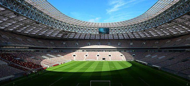 Фото полив стадиона